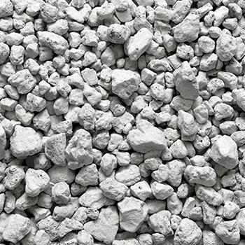 Ελαφρόπετρα - Οικοδομικά υλικά από την Milagro stone ( η φωτογραφία δείχνει συγκέντρωση ελαφρόπετρας σε διάφορα μικρά μεγέθη)